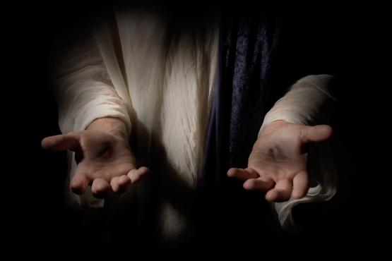 jesus-hands-pierced